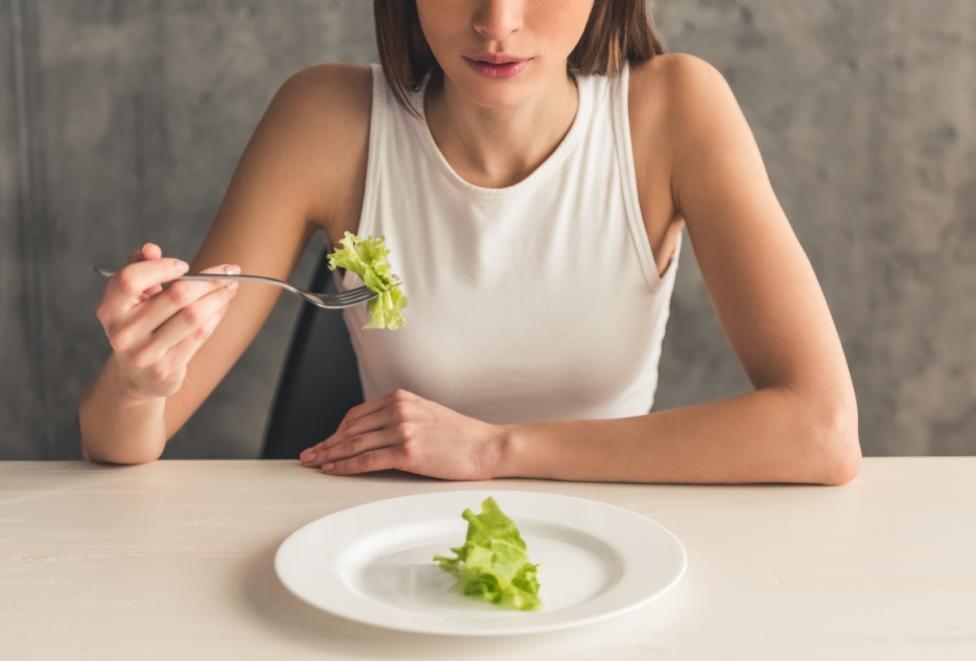 - Страхът от огладняване. Гладът не е наш враг, а нормална функция на организма. Винаги можете за изядете плод или малко ядки, ако се почувствате...