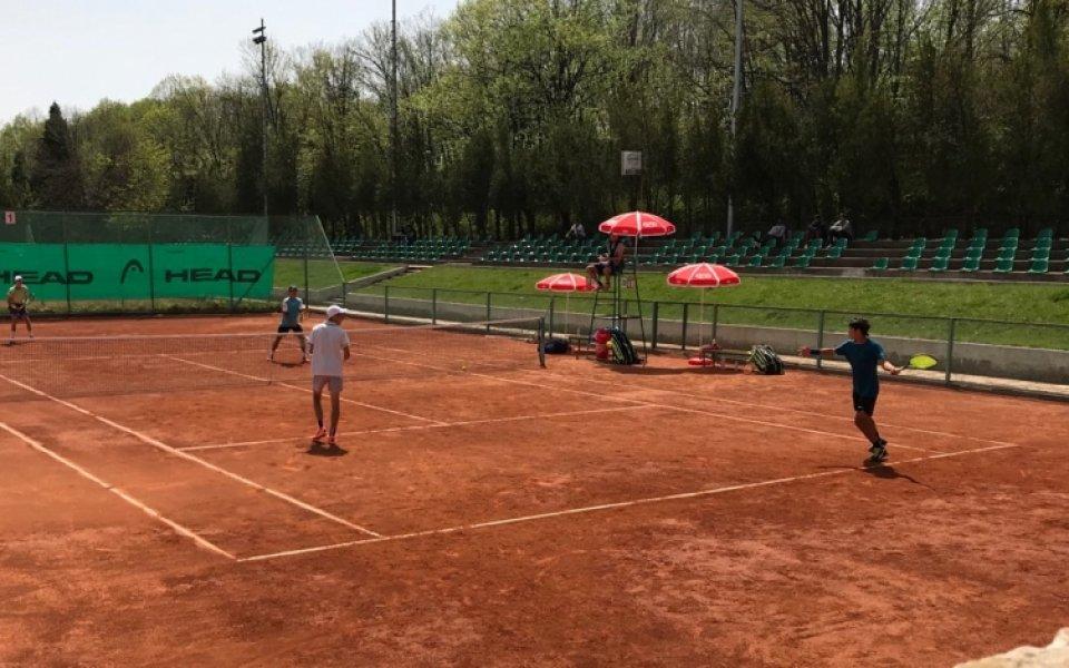 Българинът Симон Антъни Иванов се класира за четвъртфиналите на международния