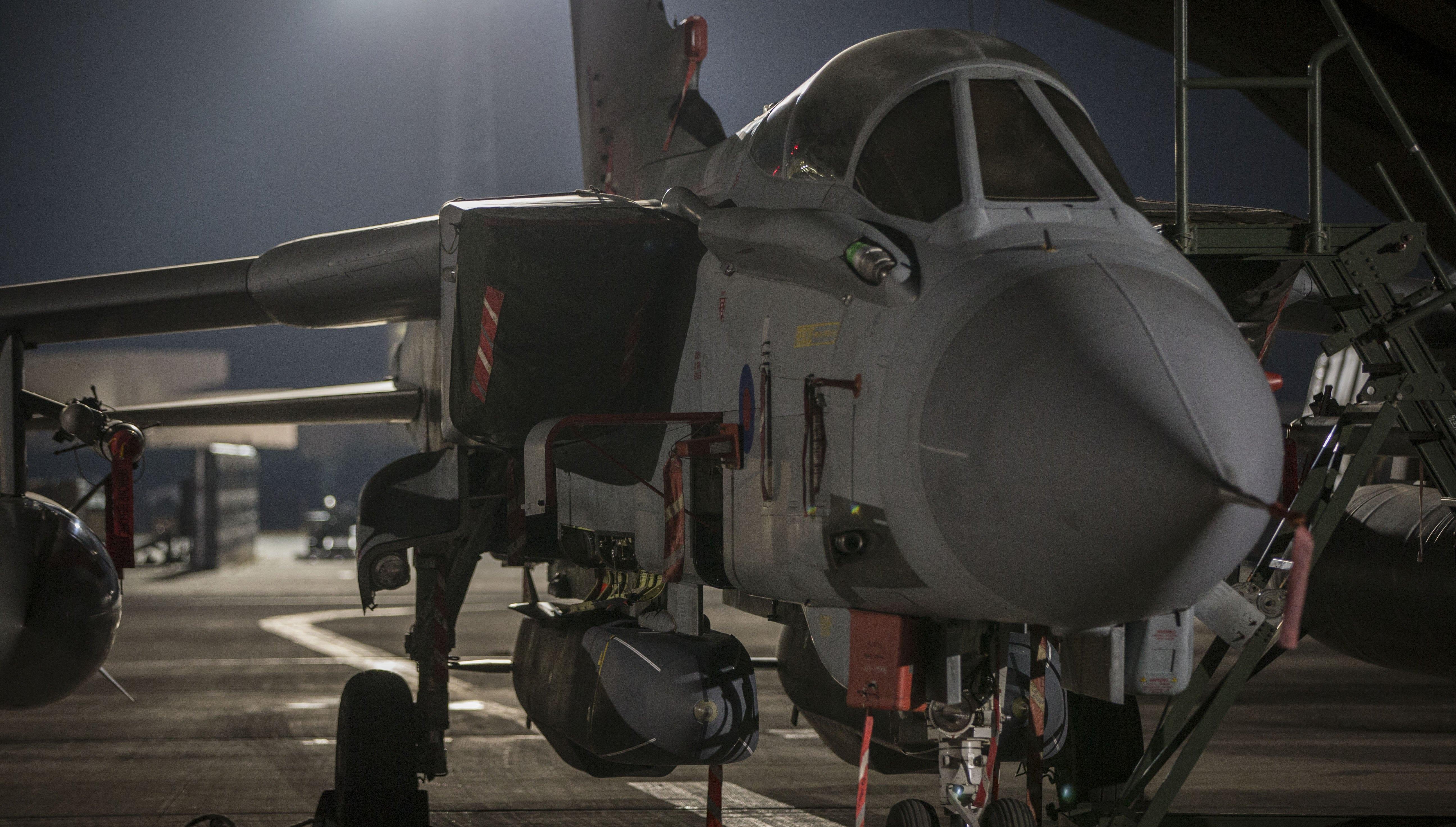 САЩ, съвместно с Великобритания и Франция, осъществиха военна операция срещу Сирия в отговор на извършената, според тях от сирийския режим, химическа атака в град Дума на 7 април