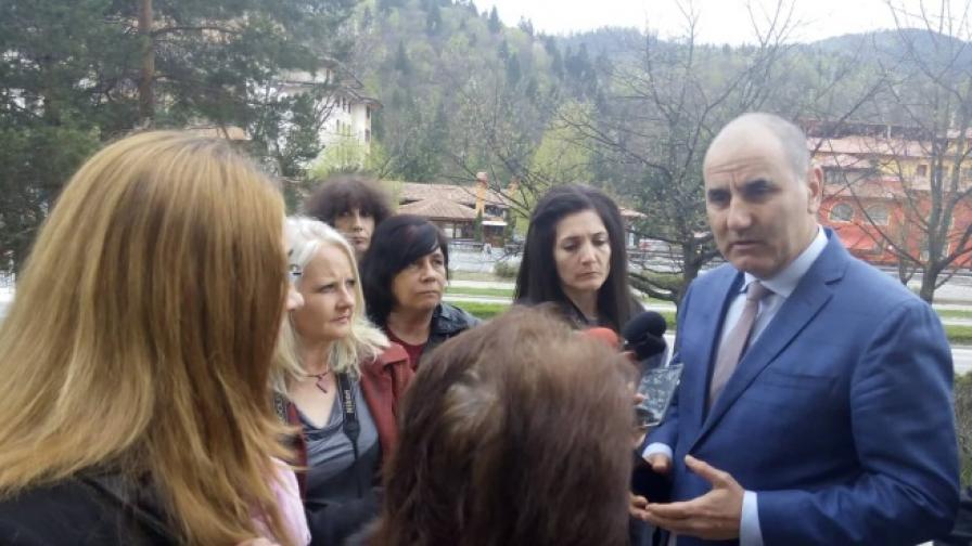 Цветанов: Уважавам президентската институция, но Радев има антиевропейско поведение