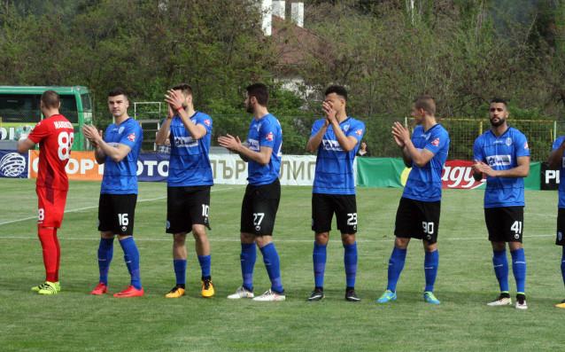 Треньорът на Черно море Илиан Илиев взе в групата за