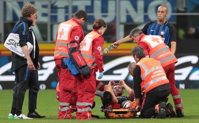 В Интер със свити сърца чакат новини за свой играч