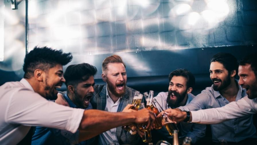 Мъжете, които ще срещнете в бара.
