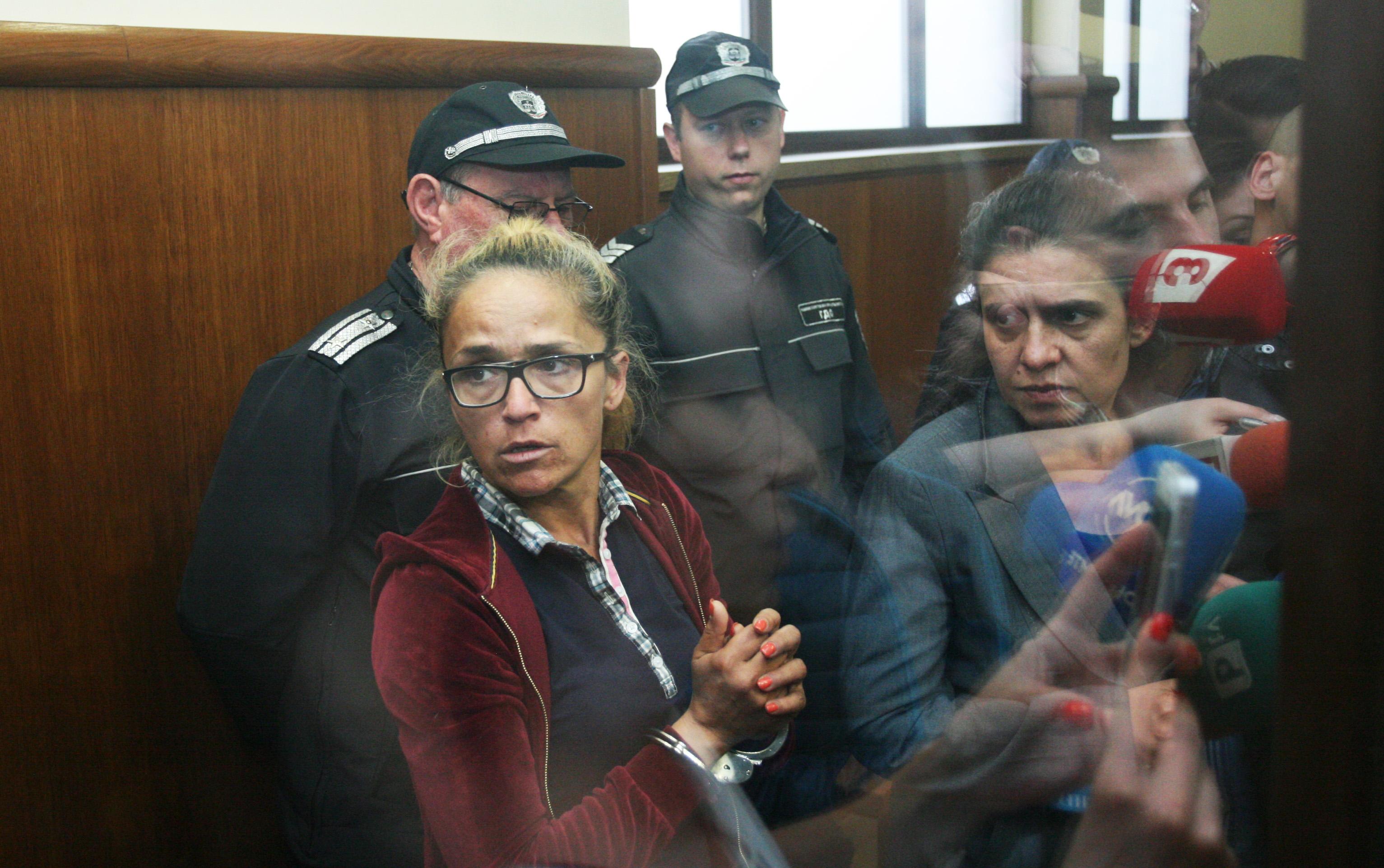 """Десислава Иванчева и зам.-кметът на """"Младост"""" Биляна Петрова"""