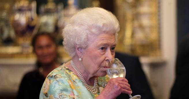Днес кралицаЕлизабет Втора, която енай-дълго управлявалият монарх на Великобритания, навършва