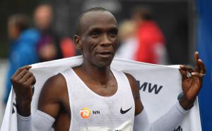 Елиуд Кипчоге триумфира за трети път в Лондонсия маратон
