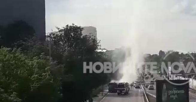 Автобус на градския транспорт се запали в София, съобщава NOVA.