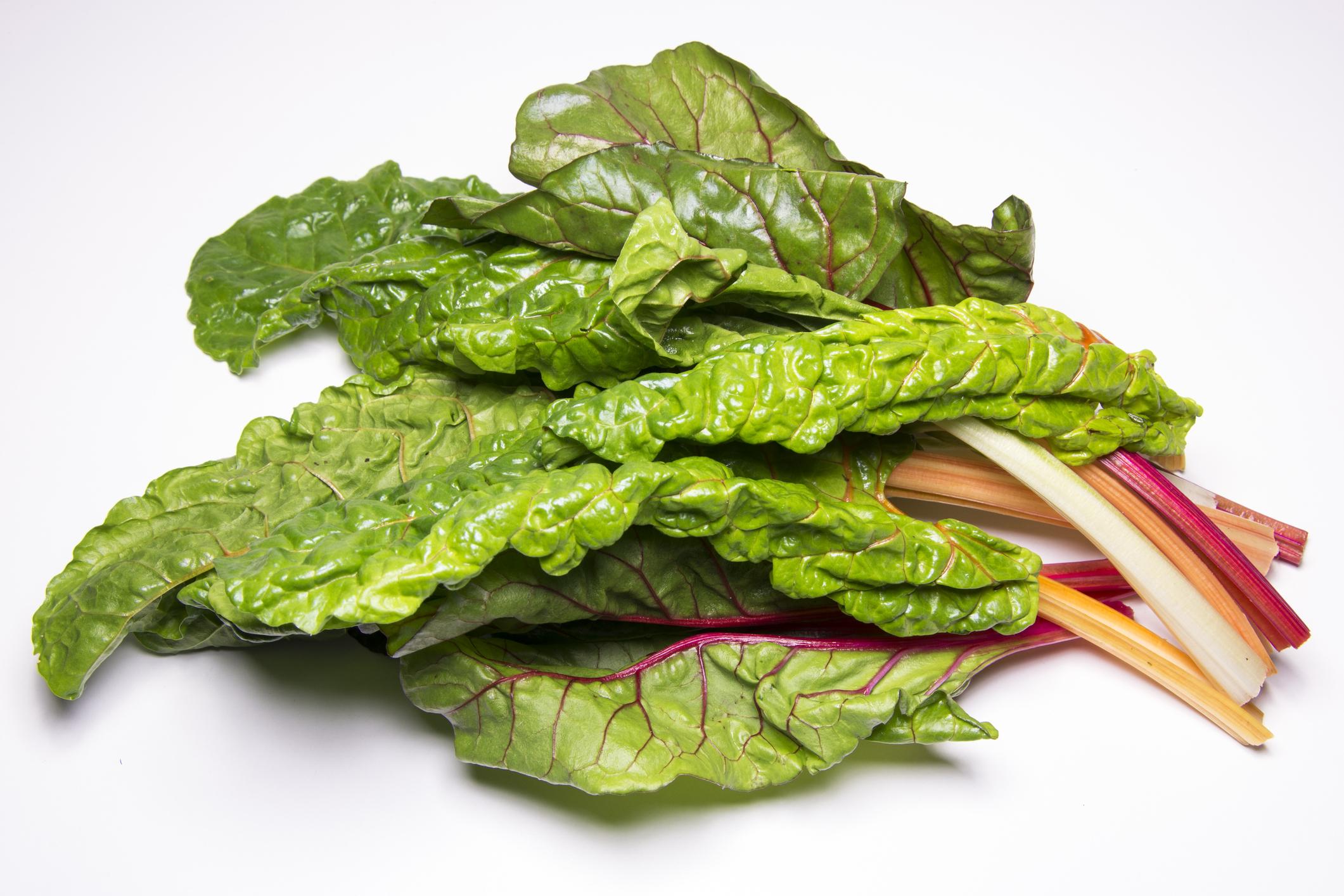 Спанаково или листно цвекло. Енергия от 100 грама – 19 калории. Хранителен източник, както и другите видове цвекло, на беталаини - растителни пигменти, които придават червен цвят. Те са важни за клетъчната структура, имат възстановителни свойства, особено за черния дроб и са силен антиоксидант. Коефициент на хранителна стойност – 78.