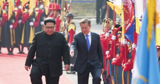 Историческата среща на върха между лидерите на двете Кореи започна
