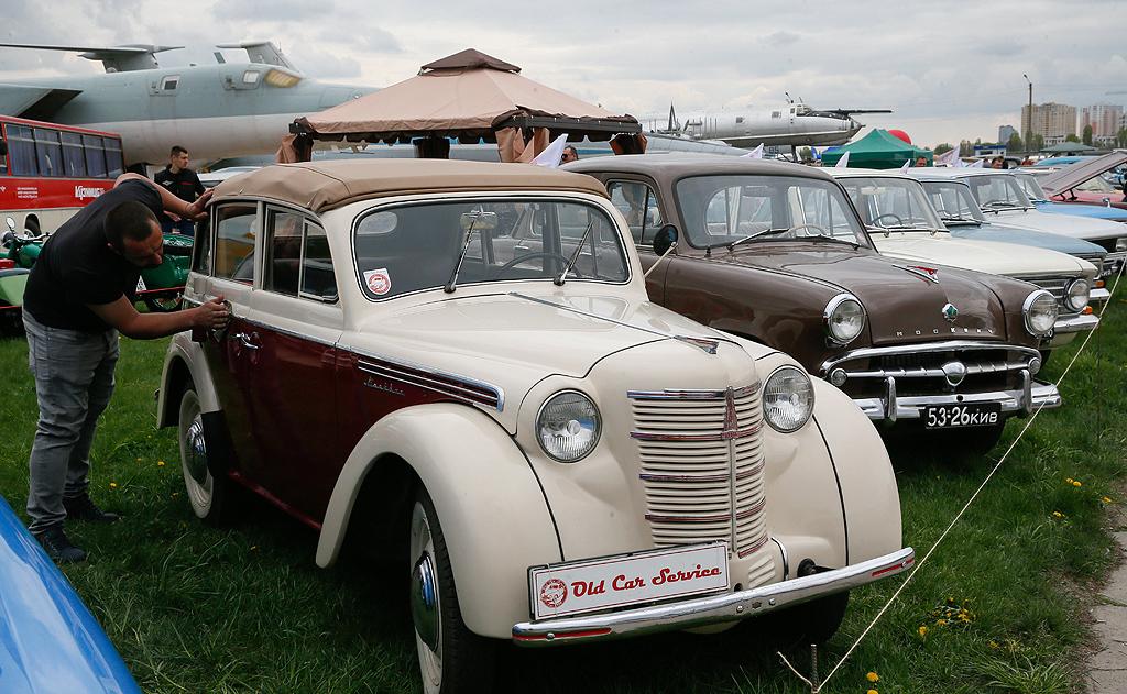 Moskvich 400 cabrio