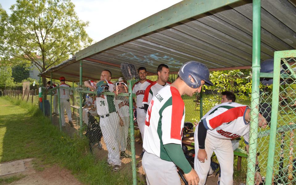 Българите със злато в бейзбола, а Гърция ликува с титлата в софтбола на  Балканиадата в София