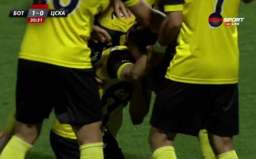 Грешникът Бодуров подари гол на Ботев Пловдив