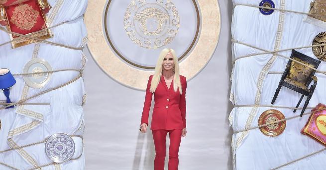 Донатела Версачее творчески директор и вицепрезидент на една от най-луксозните