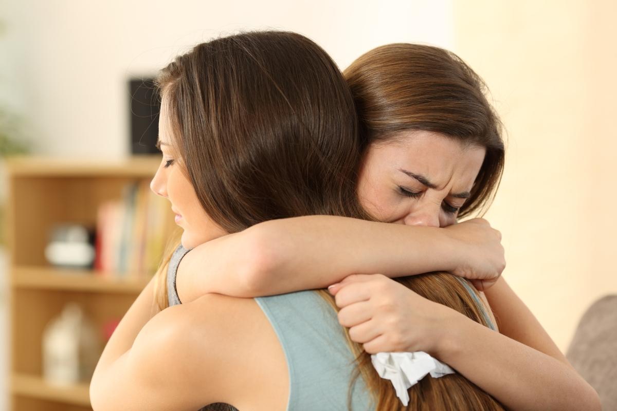 Добрите приятелки винаги застават на страната на близките си след раздяла.