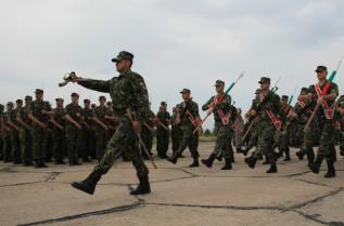 В района на летище Доброславци се проведе тренировка за военния парад на представителните блокове на видовете въоръжени сили и техниката, на въоръжение в Българската армия.