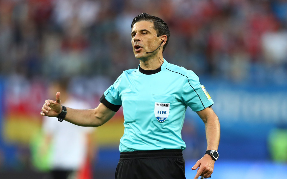 Емблематичен сръбски съдия спря с футбола, пое към Кипър