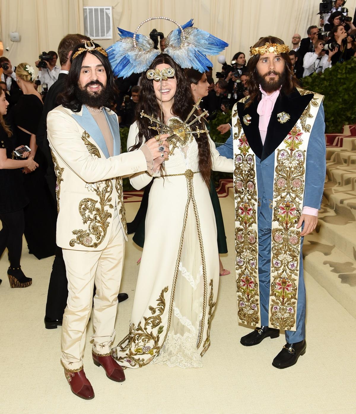 Певицата Лана дел Рей, актьорът и музикант Джаред Лето и модният дизайнерАлесандро Мишел