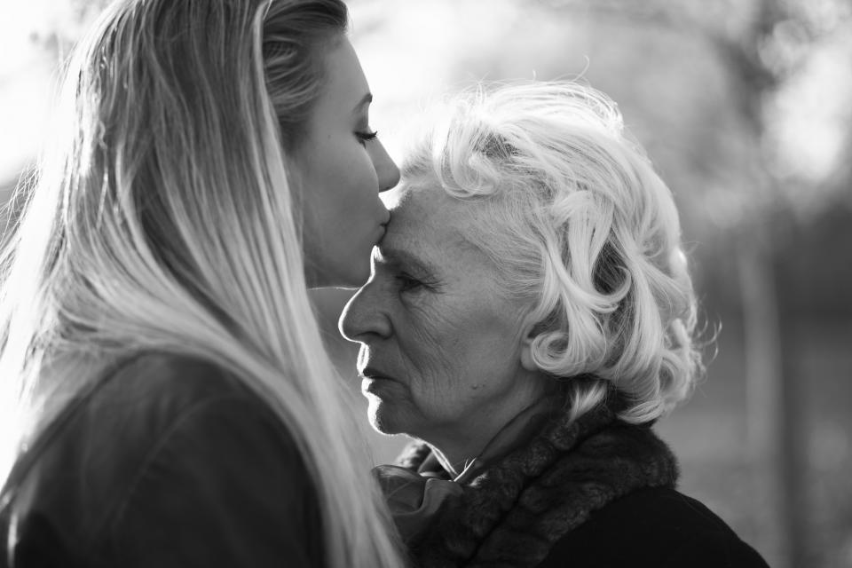 баба внуче