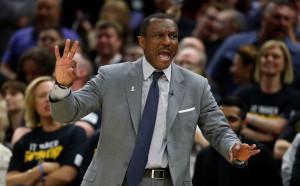 Торонто остана без треньор след отпадането от плейофите