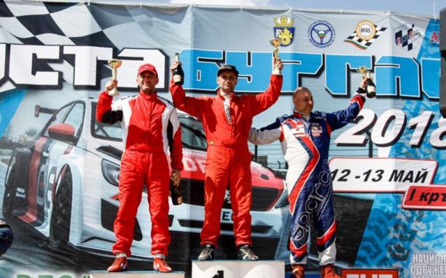 Камен Василев (вляво)<strong> източник: Lap.bg</strong>