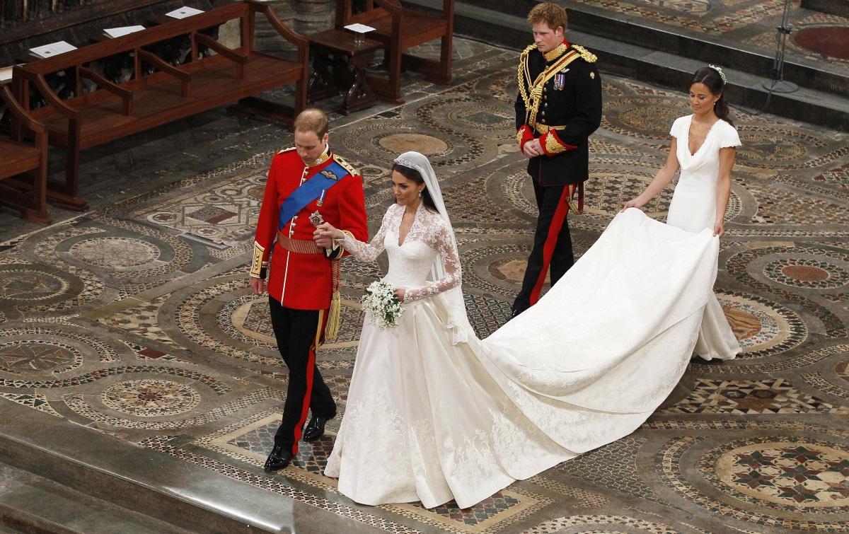 Роклята на херцогинята на Кеймбридж Кейт Мидълтън е оценена на 514 хил. долара.