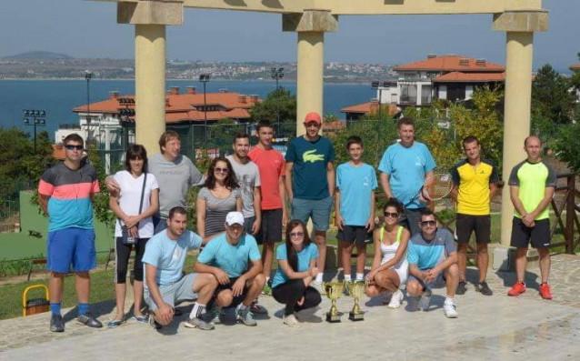 36 мъже от цяла България ще играят в турнира Santa