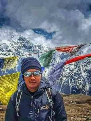 Нгими Нури Шерпа е планински водач