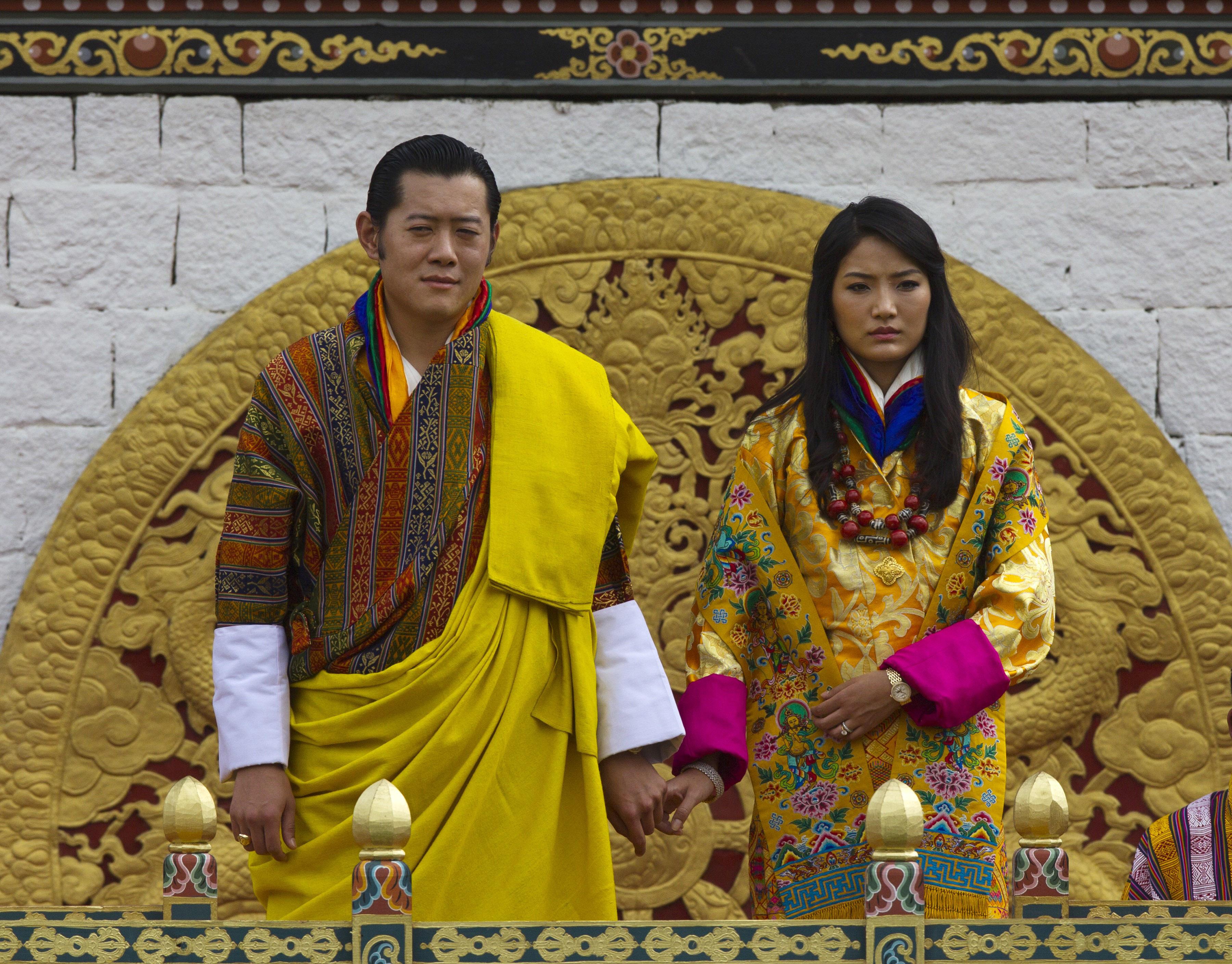 Джигме Хесар Намгиал Вангчук e настоящият крал на Бутан от 2006 г. Жени се заДжетсун Пема.Сватбата им представлява богато украсена традиционна будистка церемония и се провежда в монашеска крепост в древната столица на страната октомври 2011 г. Бракът между Джетсун и краля е резултат от истинска любов, а не официално уреден.