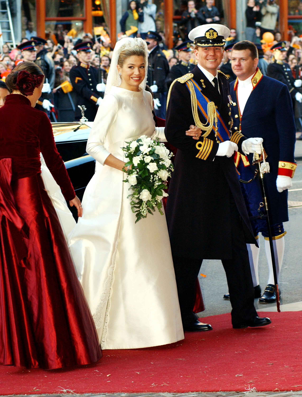 Вилем-Александър Нидерландски, кралят на Нидерландия, се ожени през 2002 г. заМаксима Нидерландска.Преди да се омъжи заВилем-Александър, работи в областта на финансите и инвестициите вЕвропаиНю Йорк.