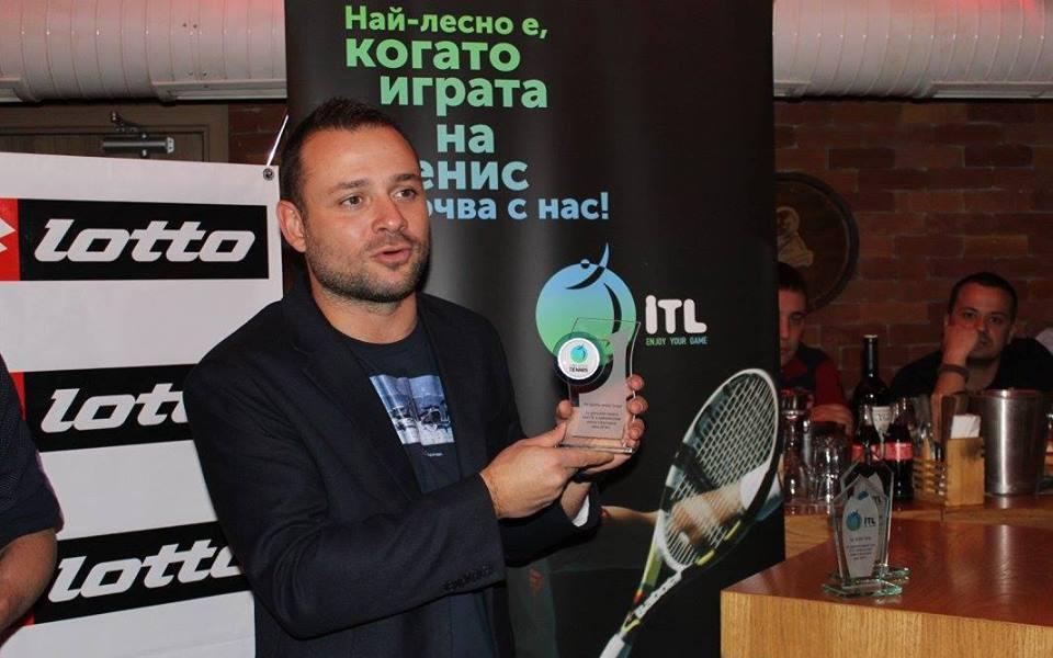 Начинаещите играят безплатно в Петия вечерен турнир на Интерактив тенис