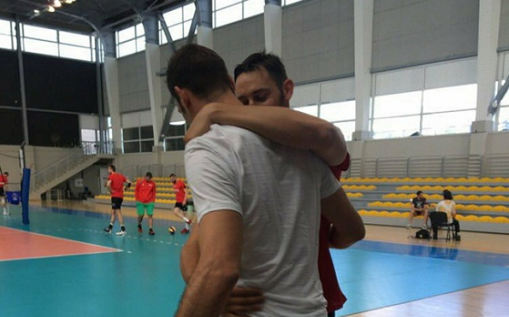 Контузеният Цецо Соколов подкрепи съотборниците си