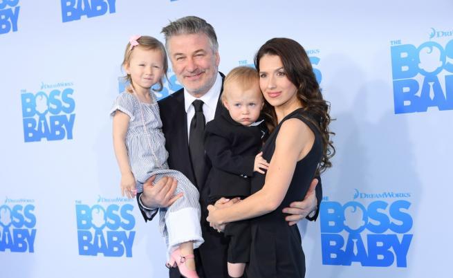 Алек Болдуин стана баща за пети път. Показа сина си