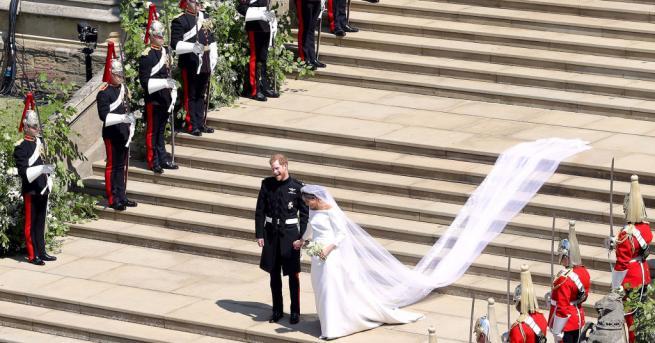 """Принц Хари и Меган Маркъл си казаха заветното """"Да"""" на"""