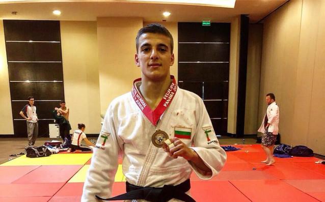 Младият български джудист Божидар Темелков постигна нов успех в международни