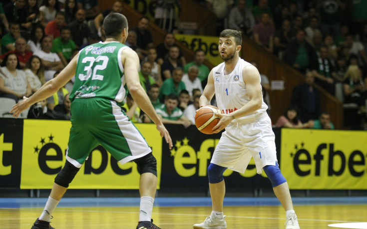Балкан победи Левски Лукойл като гост и поведе във финалната серия