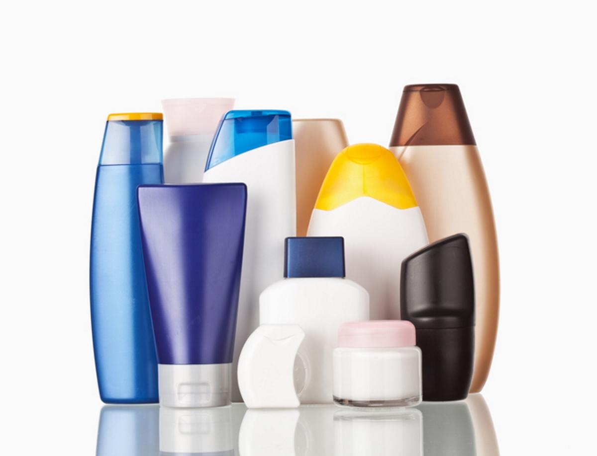 Душ-геловете и измиващите средства като сапун съдържат триклозан, който пречи на развитието на бактерии и гъбички. Все повече обаче започва да се говори, че натрупването му в организма може да причини здравословни проблеми.