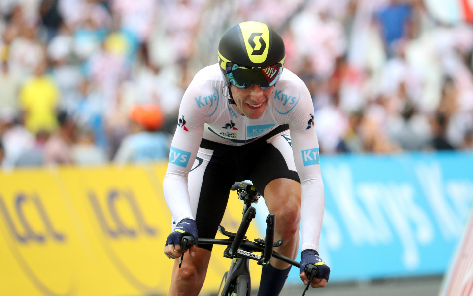 Саймън Йейтс запази лидерската си  позиция в Джиро д'Италия