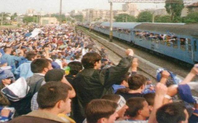 Двама български футболисти - Христо Златински и Радослав Димитров, вдигнаха