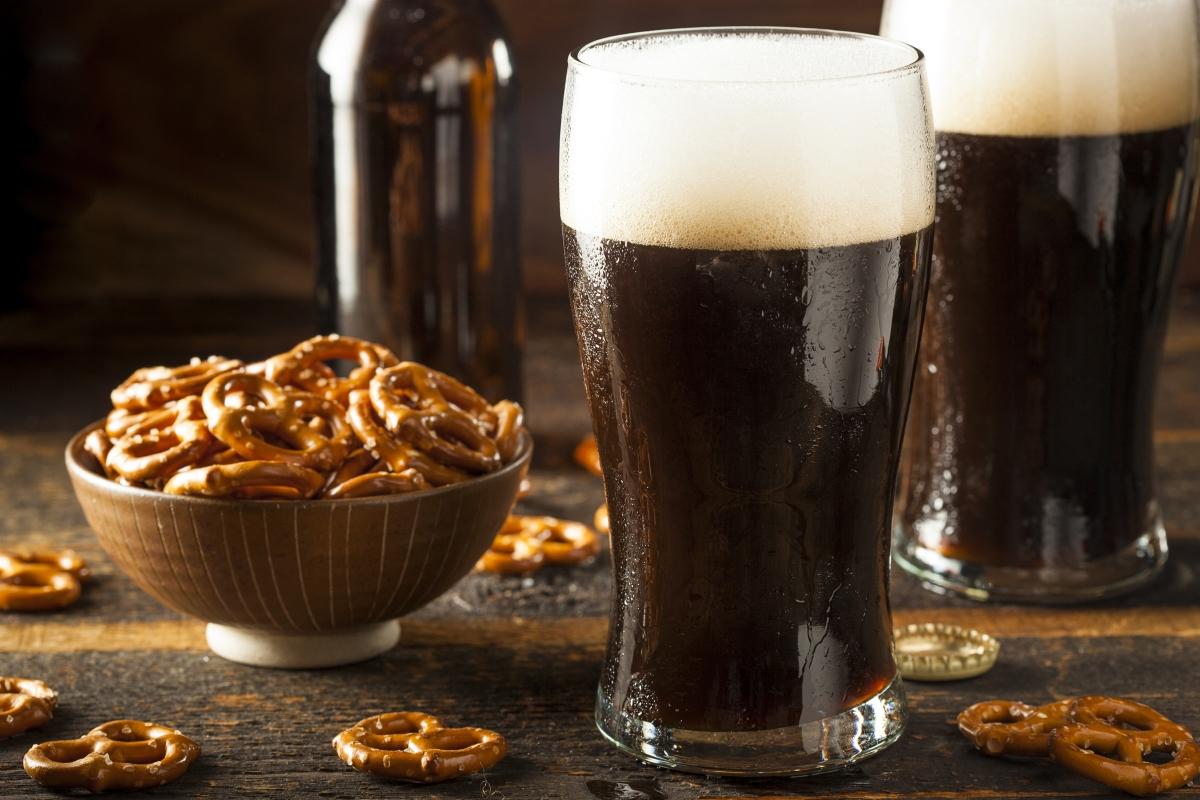 Тъмната бира също е калорична, може да има над 220 калории за 330 мл.