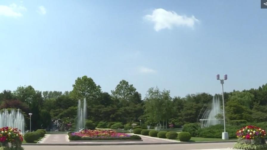 В двореца на Ким Чен-ун (видео и снимки)