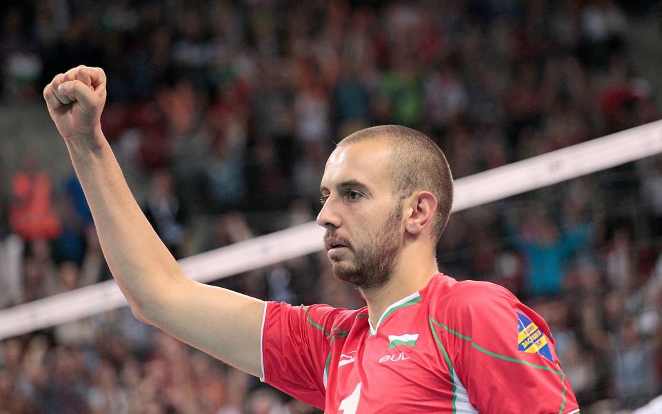 Волейболният национал Георги Братоев стана татко и на дъщеричка. Щастливата