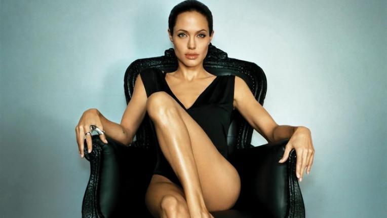 Анджелина Джоли – Edna жива легенда на 43