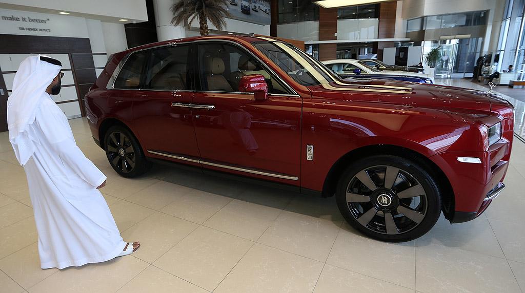 Новият Cullinan, ще се продава за около 2,2 милиона емиратски дирхами (около 602,245 USD)
