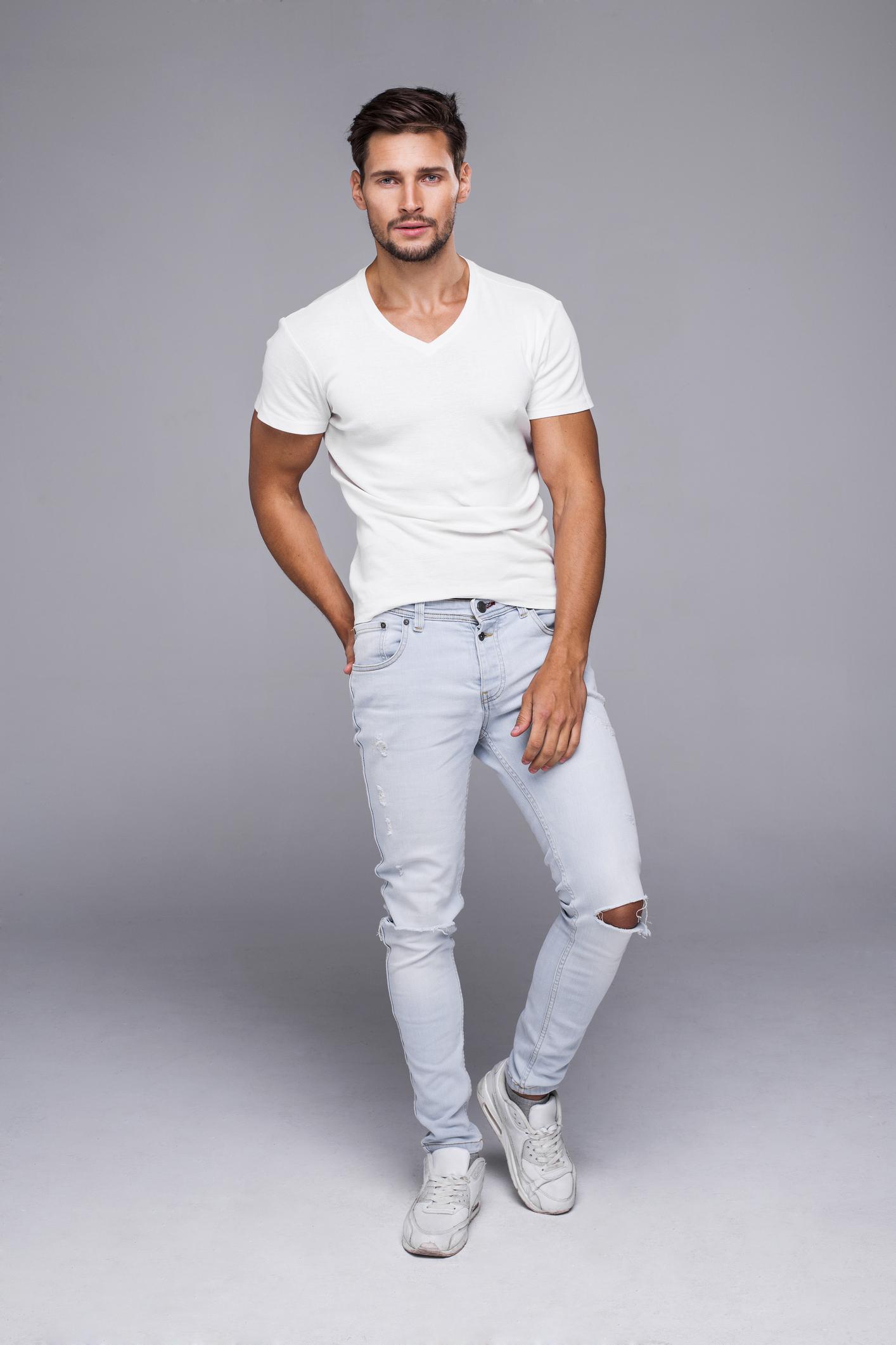 Хубави дънки, които ви отиват и ви стават. Не залитайте по модни тенденции, носете дънки, които не само ви пасват, но и ви харесват.