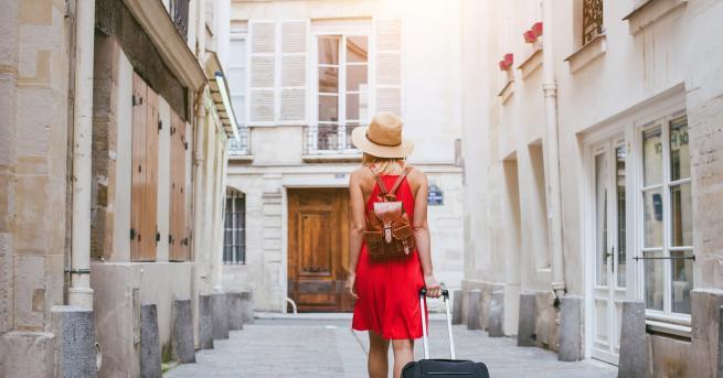 Традиционно всяко лято хиляди българи стягат куфарите за пътуване в