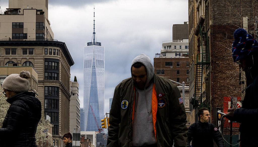 """One World Trade Center, Ню Йорк – 540 метра Той е построен в северозападната част на мястото, където бяха кулите на Световния търговски център, преди да са били унищожени при нападенията от 11 септември. Обсерваторията """"Единият свят"""" бе открита през 2015 г. Сградата беше умишлено създадена, за да отбележи годината на независимостта на САЩ, и официално е най-високата сграда в САЩ."""