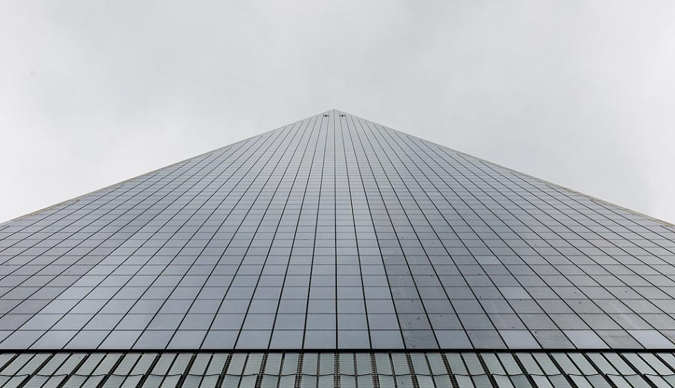 - Развитието на технологиите в строителството, особено използването на стоманобетон и високоякостни стомани, както и асансьорите дават възможност за...