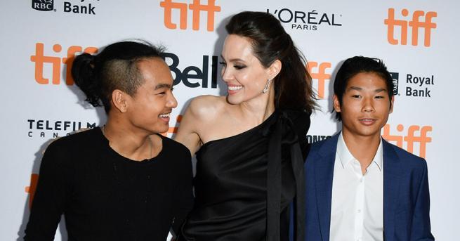 След като съд в Лос Анджелис задължи Анджелина Джоли да