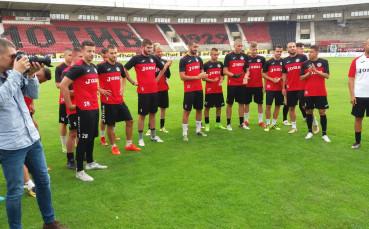 Локо Сф започна по вода с нови треньори, нов шеф и трансфер в Русия