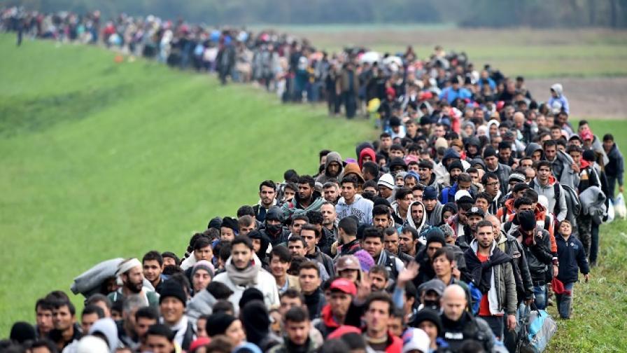 Рекордните 68,5 милиона е достигнал броят на бежанците за 2017